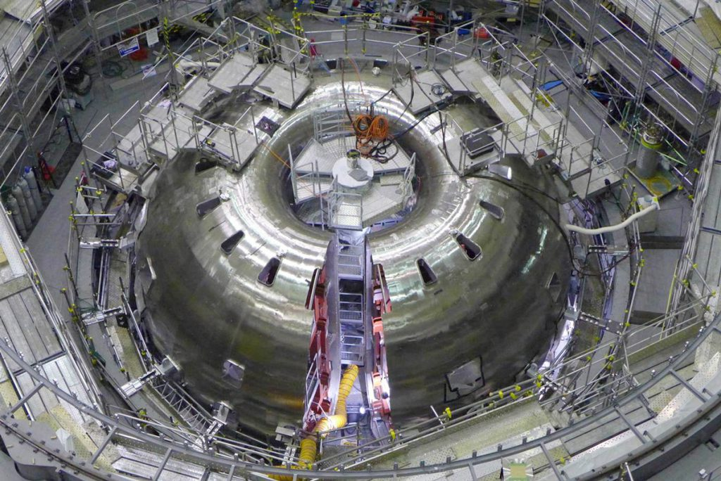 Finishing the Assembly of the Vacuum Vessel (March 2015)