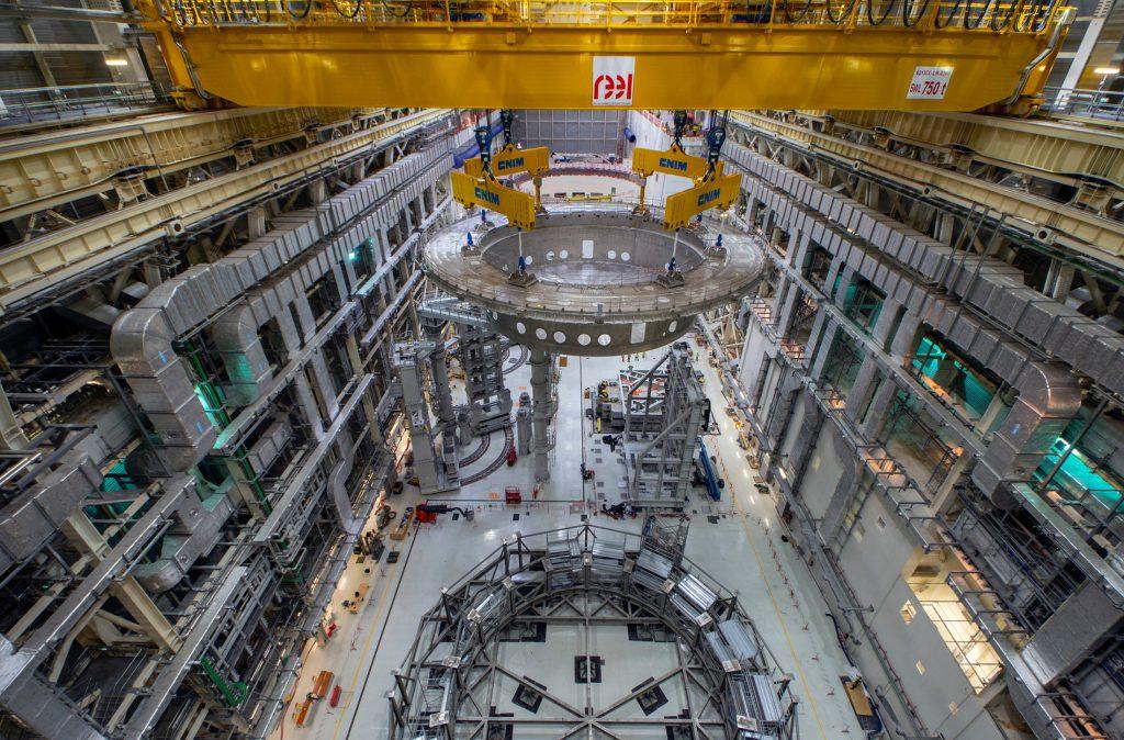 ITER Cryostat lift-off