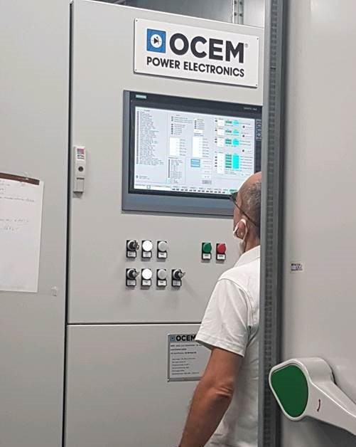 Monitoring the performance of the equipment during the final acceptance test