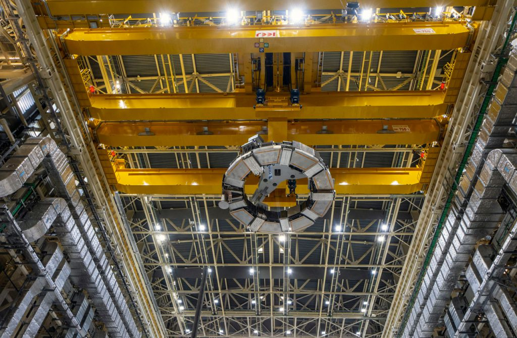 Lift-off of the sixth ITER PF coil